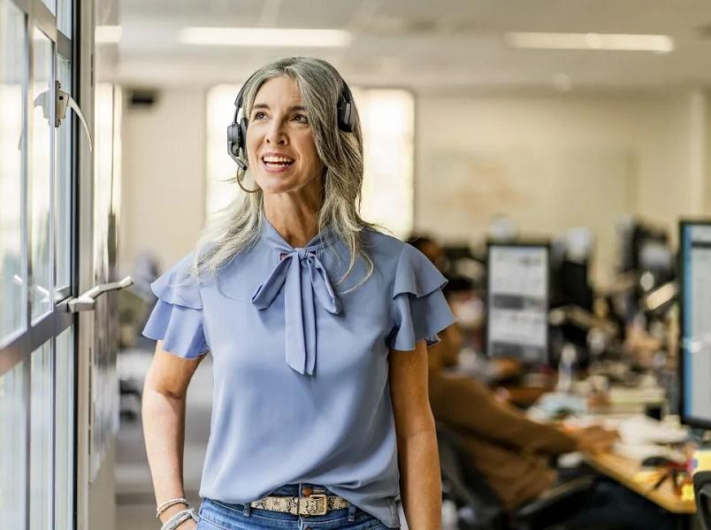 Poly Voyager  4300 UC系列专业耳机新品青岛亮相!打造灵活高阶办公新势力!
